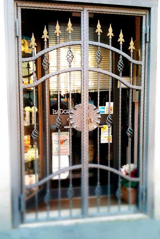 Csm diego celi infissi roma cancelli realizziamo cancelli scorrevoli cancelli in ferro - Inferriate mobili per finestre ...